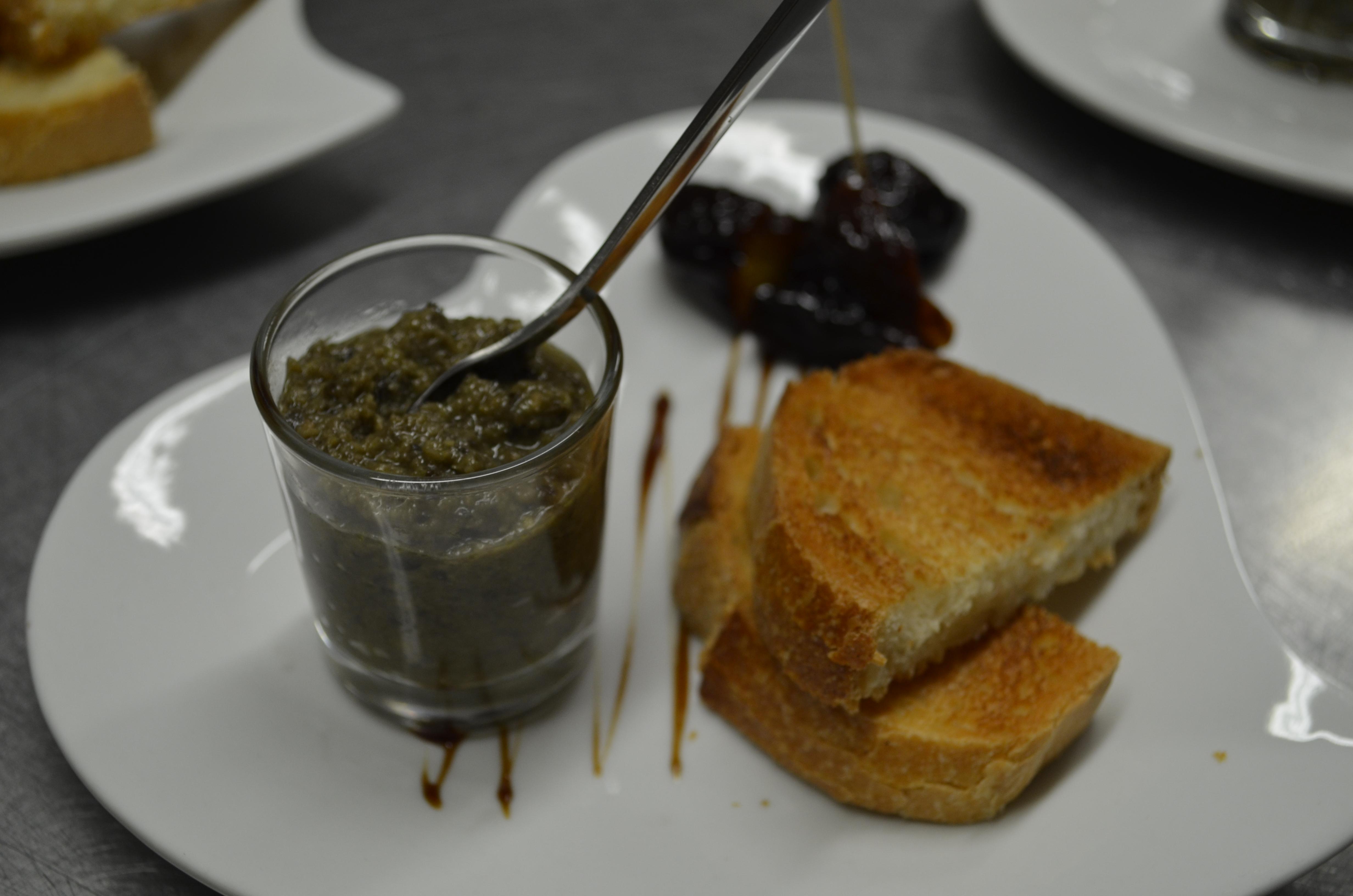 Taponade d'olive à l'apero Au Moulin du Pouy  Eauze